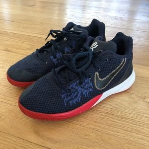 Nike Kyrie Flytrap II Basketball Shoes Youth 5.5